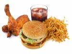 Hamburguesa, pollo, patatas y refresco