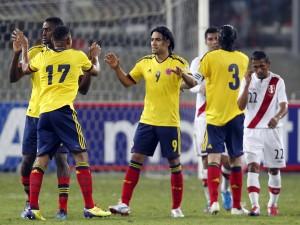 Postal: Jugadores de la Selección Colombiana sobre el césped