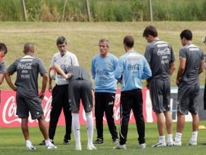 Postal: Charla entre jugadores y técnicos de la Selección Uruguaya