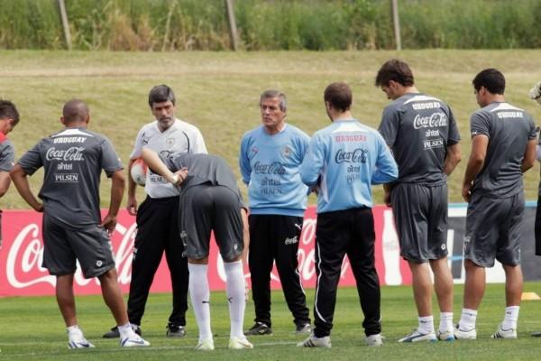 Charla entre jugadores y técnicos de la Selección Uruguaya