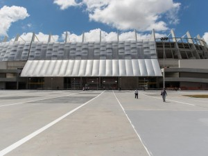 Entrada al estadio Arena Pernambuco (Recife, Brasil)