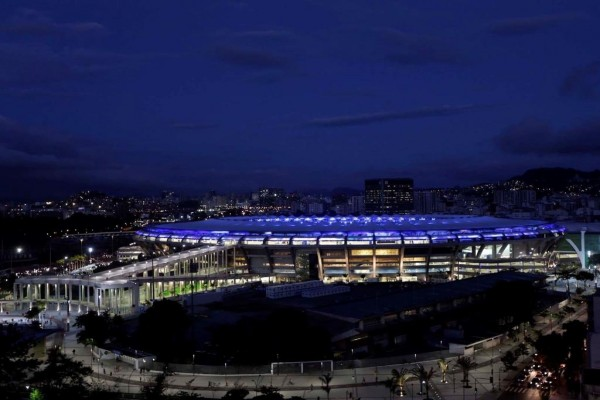 Noche en el estadio de Maracaná, Río de Janeiro (Brasil)
