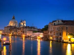 Postal: El Gran Canal de Venecia iluminado