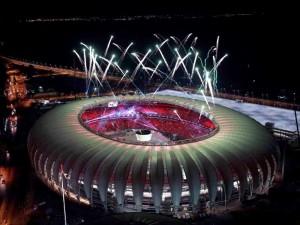 Fuegos artificiales en el estadio Beira Rio, Porto Alegre