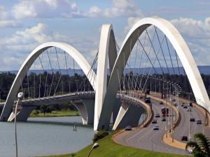 Postal: Puente Juscelino Kubitschek (Brasil)