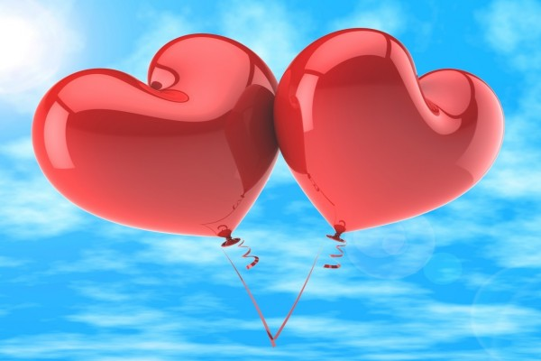 Dos globos con forma de corazón