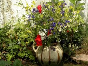 Postal: Flores en un gran jarrón