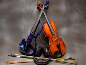 Postal: Dos violines