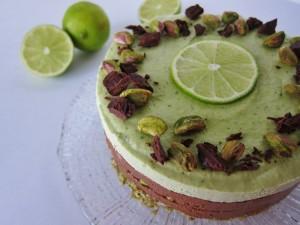 Tarta de chocolate, pistacho y lima