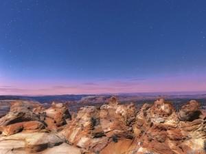 Cielo con estrellas sobre un parque nacional de Arizona