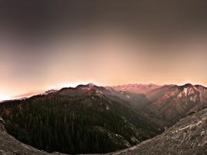 Postal: Montañas al amanecer