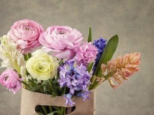 Bolsa con perfumadas flores