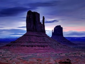 Monument Valley al amanecer