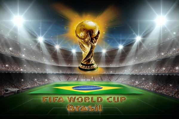 Bandera y Trofeo de la Copa del Mundo Brasil 2014