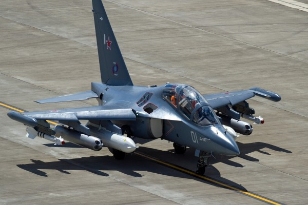 Aeronave Yak-130