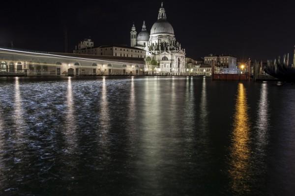 La noche en el canal de Venecia