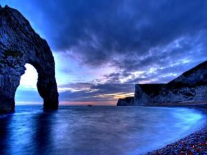 Postal: Amanecer en una bonita playa