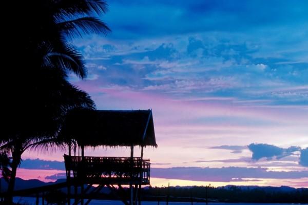 Los colores en el cielo al amanecer