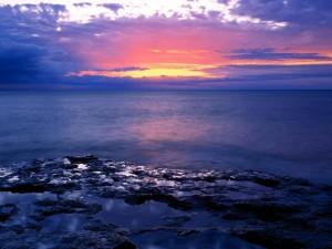 Postal: Amanecer sobre el mar