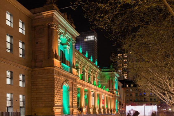 """Edificio de la bolsa de Frankfurt durante """"Luminale 2014"""""""