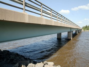 El puente Revaskeri (Pori, Finlandia)