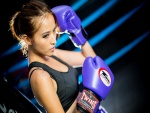 Agnes Lim con guantes para boxear