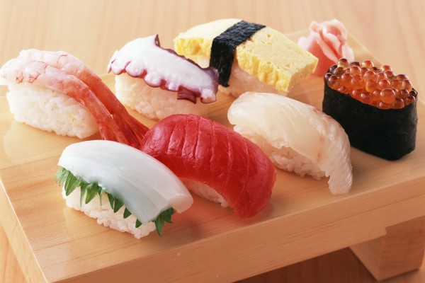 Shusi con varios pescados