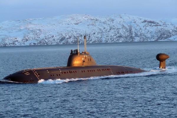 Submarino en agua helada