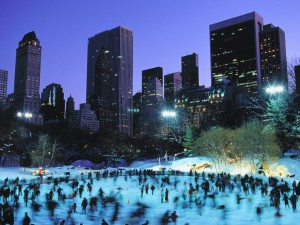 Patinaje sobre hielo en la ciudad