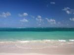 Contemplando el mar desde la playa