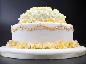Un delicado y fino pastel de bodas