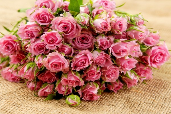 Gran ramo de rosas rosa