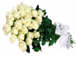 Ramo de rosas blancas con un lazo blanco