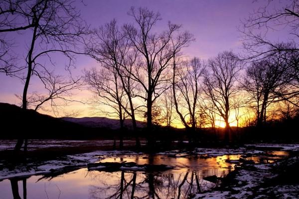 Un frío atardecer junto al río