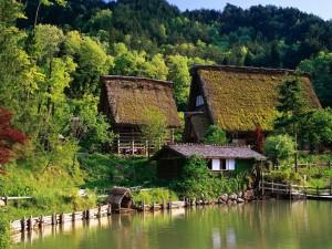 Hermosa granja junto al lago