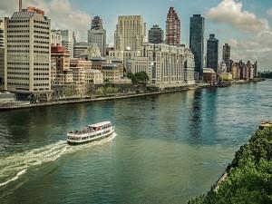 Paseo en barco por el río Hudson