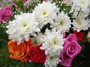 Un vistoso ramo de flores variadas