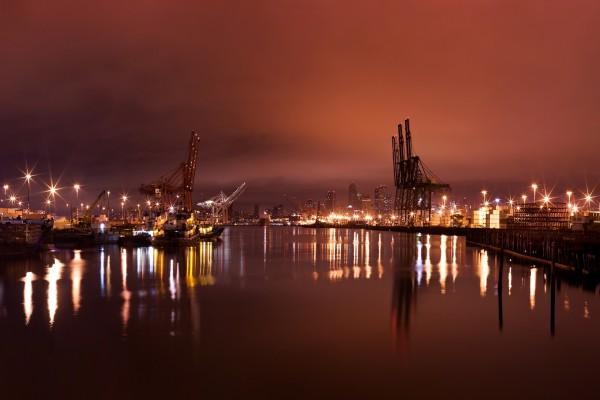 Luces en el puerto
