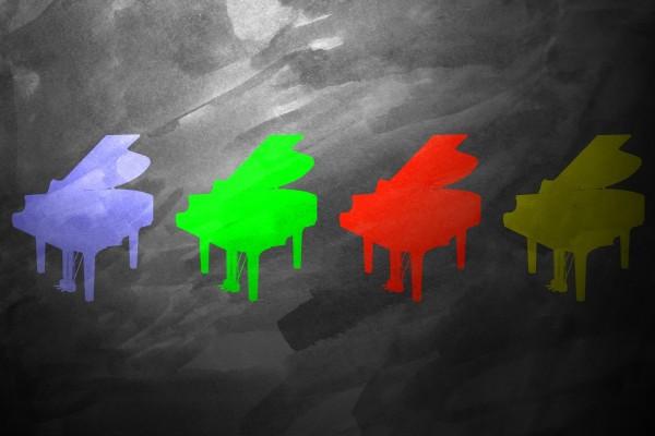 Pianos de varios colores