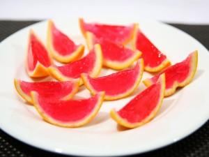 Postal: Gelatina en la corteza de una naranja
