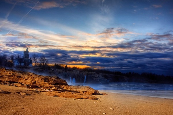 Admirando el paisaje desde la playa