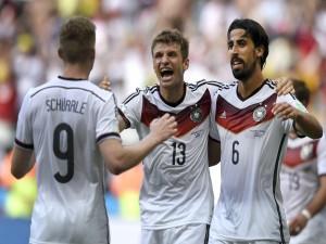 """Postal: Jugadores alemanes felices tras ganar el """"Mundial Brasil 2014"""""""