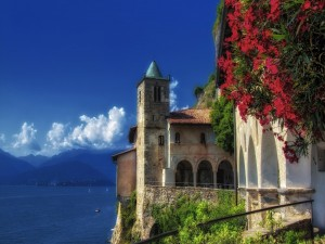 Postal: Herminta de Santa Caterina del Sasso ( Lago Maggiore, Italia)