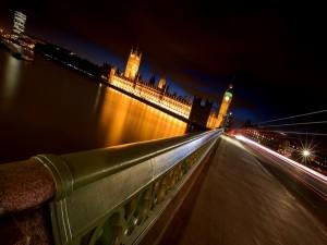 Postal: Paseo nocturno por la ciudad de Londres