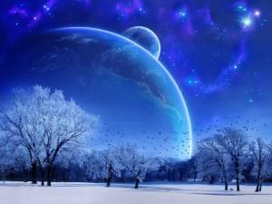 Planetas y un brillante cielo próximos a un campo nevado