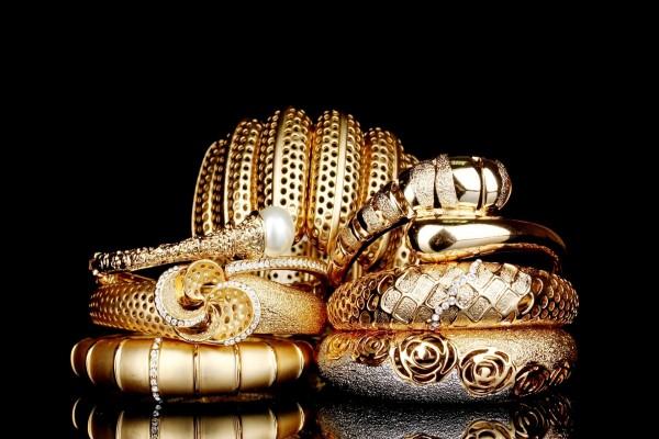 Magníficas pulseras de oro con diamantes