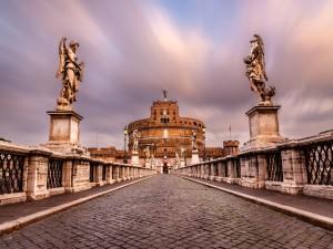 Puente de Sant' Angelo y el Mausoleo de Adriano (Roma, Italia)