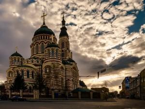 Catedral de la Santísima Anunciación (Kharkov, Ucrania)