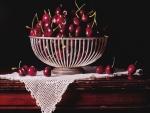 Recipiente con riquísimas cerezas