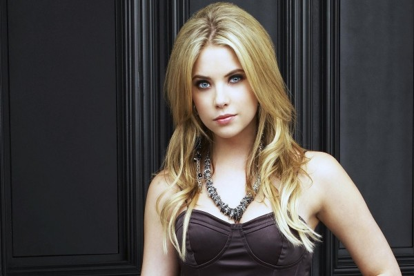 La guapa actriz Ashley Benson